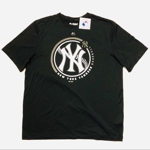Majestic Evolution CoolBase New York Yankees Shirt